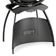 Weber Q 2200 - wygodny stolik